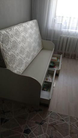 Продам мебель в детскую