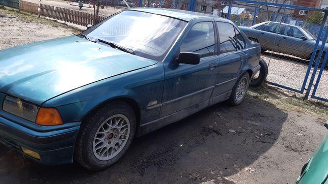 Продам BMW 318 дв М40 СРОЧНО.