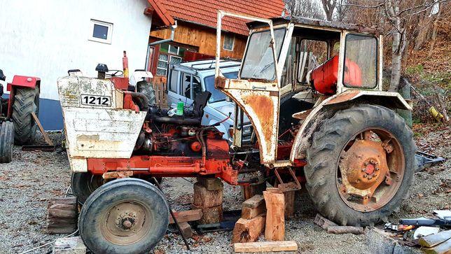 Dezmembrez tractor David Brown 1212 Case
