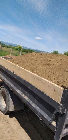 Vand pământ pentru gazon sau gradina disponibil între orele 7:00-22:00