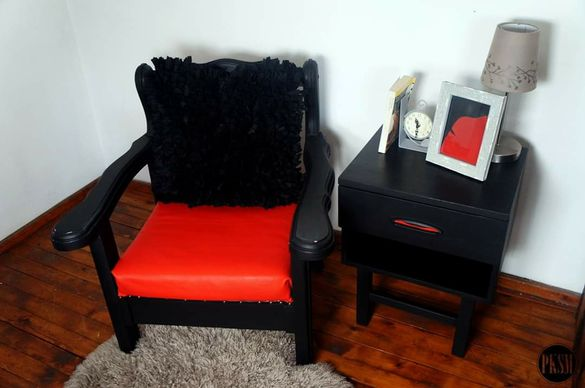 Кресло и шкаф
