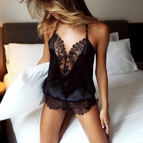 Секси черна дамска пижама с дантелена долница и деколте
