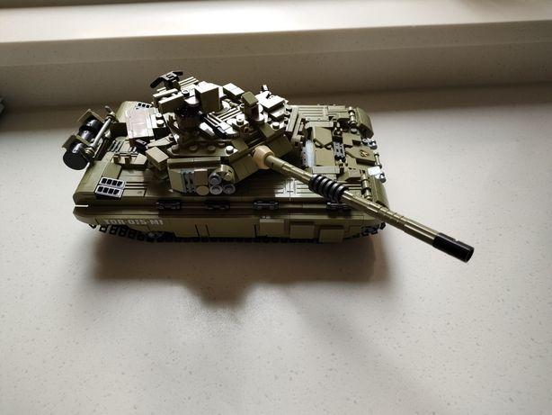 Продам конструктор танк