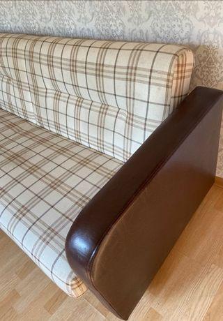 Продам диван фабричный