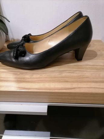 Лот дамски обувки