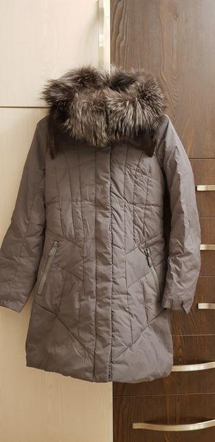 Продам женский пуховик-пальто