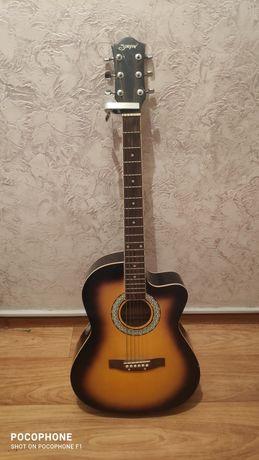 Продам гитару акустическая