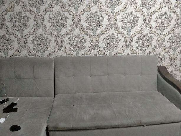 Угловой диван серый цвет