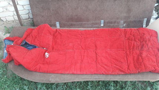 спальный походный мешок