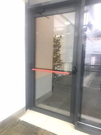 Врата за магазин или склад 215/105