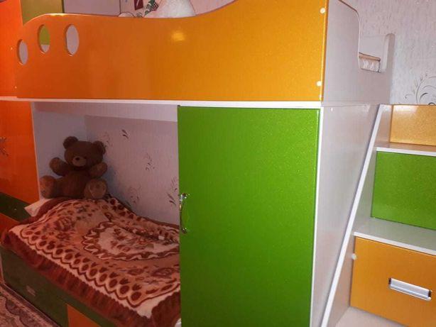 Продам детский спальный гарнитур!