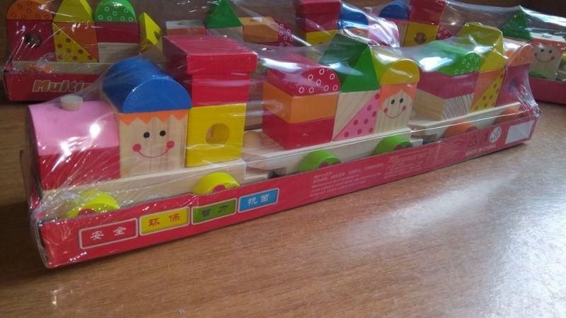 -35% Голям дървен влак - конструктор в 3 вагона с кубчета 22бр. гр. Бургас - image 1