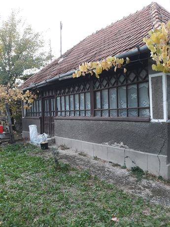 Vând casă în Stârciu
