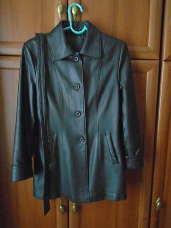 Куртка кожаная и Куртка на синтепоне, женские, размер 46