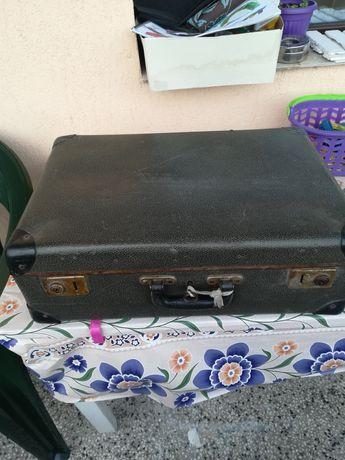 Ретро куфар за декорация