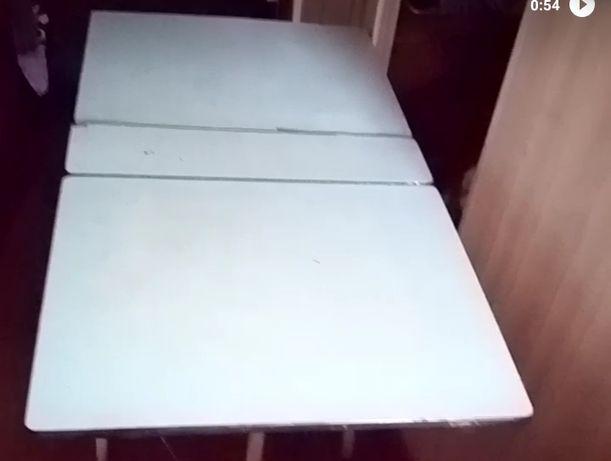 Стол книжка б/у каркас железный размер 1.11/60
