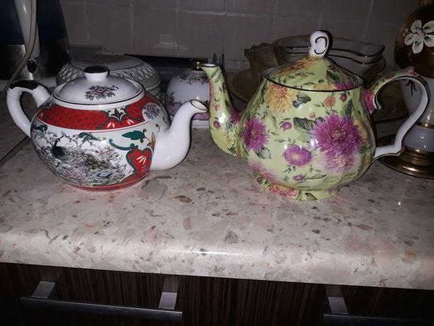 Продам 2 чайника и масленку