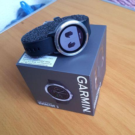 Смарт часовник Garmin Vivoactive 3