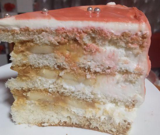 В наличии торты очень очень вкусные