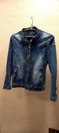 Пиджаки ,куртки подростковые офисный,джинсовый