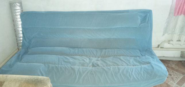 Продам диван из металической рамы.