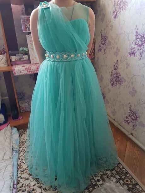 Продаю красивое платье