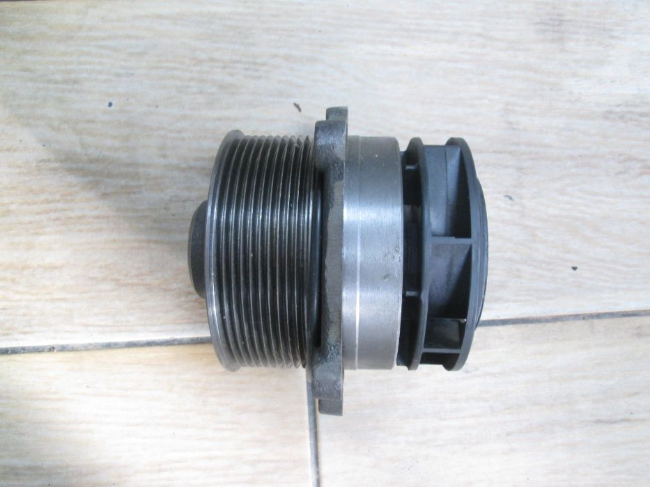 Pompa apa de tractor New Holland T8/300