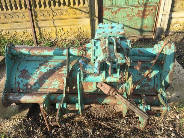 Se vinde freza romaneasca pentru tractor