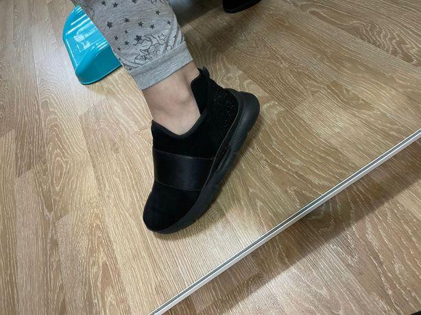 Продам обувь женскую размер 38 цена 7000