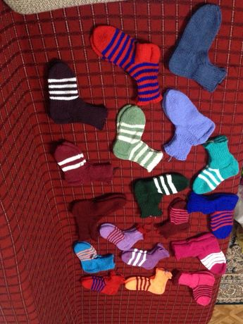 Продам шерстяные вязанные носки, следы, пинетки