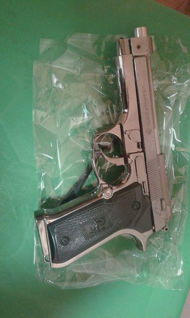 Pistol Beretta
