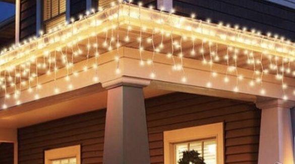 Коледни лампички, Коледна украса тип завеса