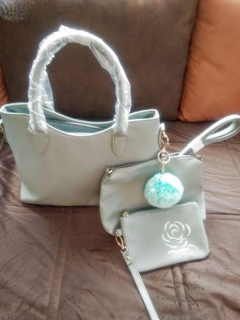 Красива чанта в светло зелен цвят