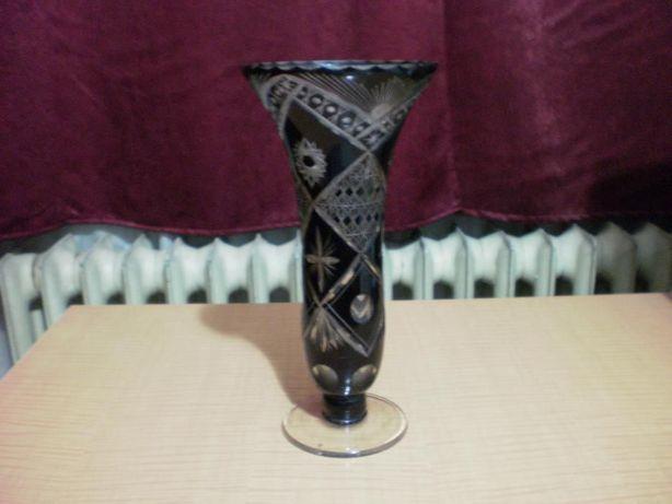 Vaza din cristal grena inchis, vintage