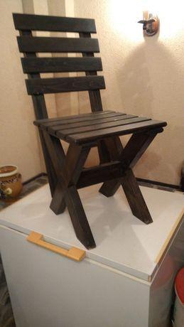 Scaune din lemn de brad, ideale pensiune rustica