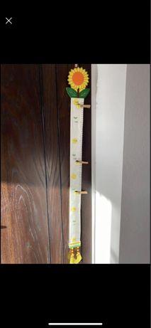 Детски сантиметър за стена
