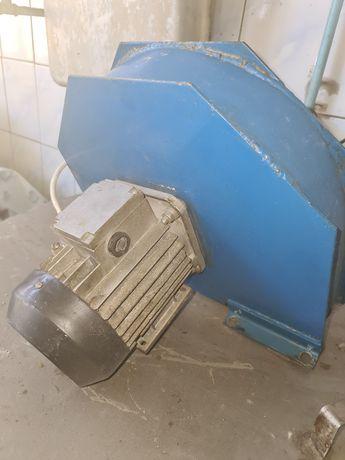 Вытяжной вентилятор .