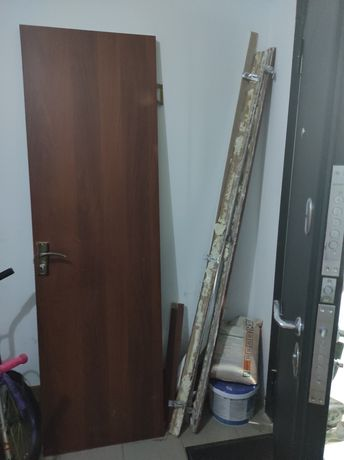 Дверь для ванны.