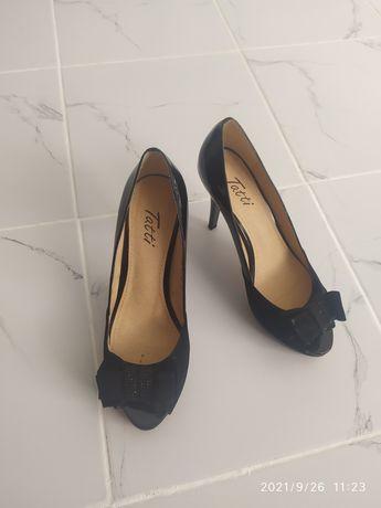 Продам красивые удобные туфли