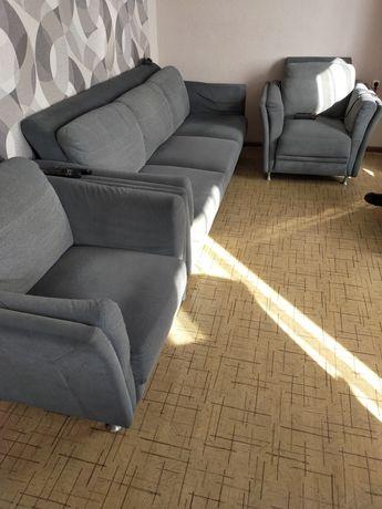 Продам диван и два кресла. Состояние отличное.