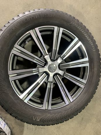 Продам титановые диски с зимней шипованой резиной от Lexus LX570