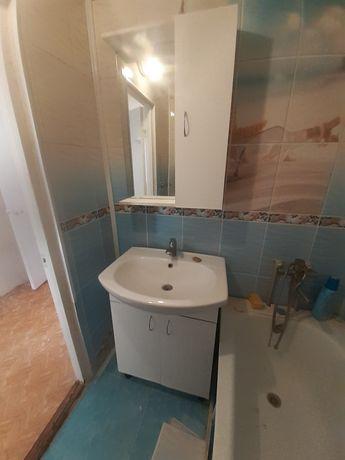Тумба и шкаф для ванной