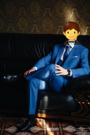 Мужской костюм продам