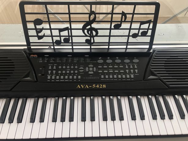 Синтезатор- пианино Ava-5428 , б/у в хорошем состоянии .