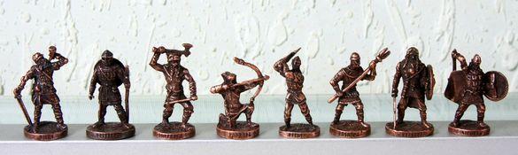 Метални фигурки Шоколадово яйце KINDER Киндер Викинги войници 8 бр.