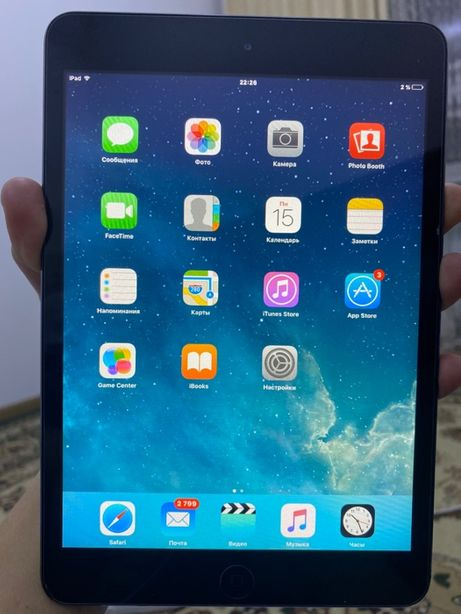 iPad mini 16 GB черный в хорошем состоянии