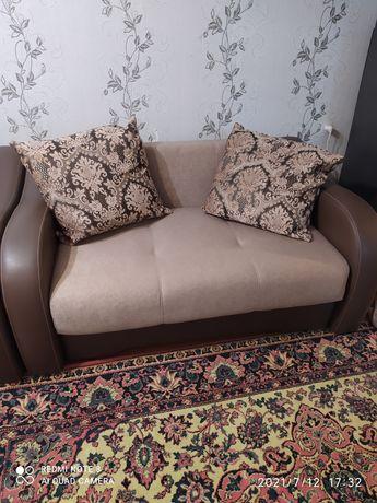 Продам мини диван в идеальном состоянии.