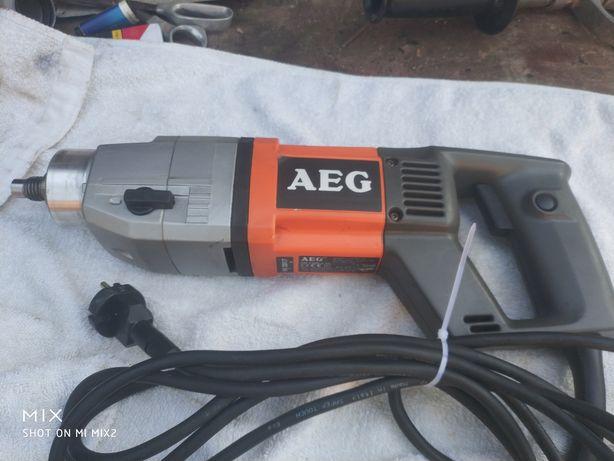 Mașina de carotat Aeg