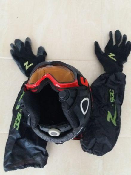 Спортни очила,ръкавици и каска за за каране на ски