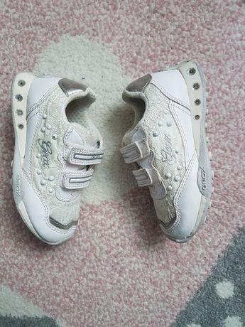Pantofi Geox din piele nr.25 (16cm interior)